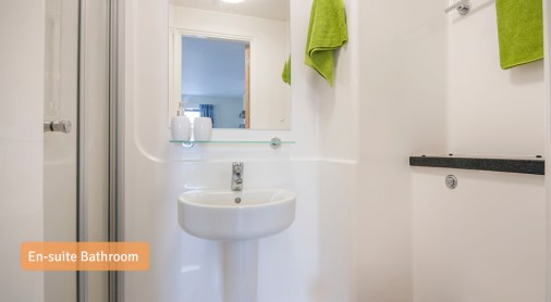 En-suite-Bathroom1.jpg