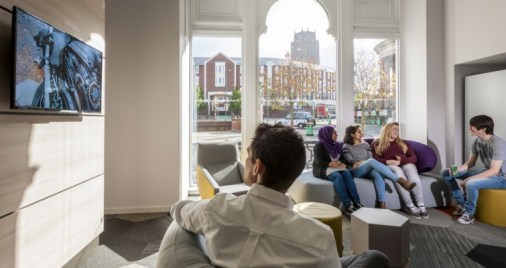The-Arch-communal-lounge-3-Downing-Students-755x400.jpg
