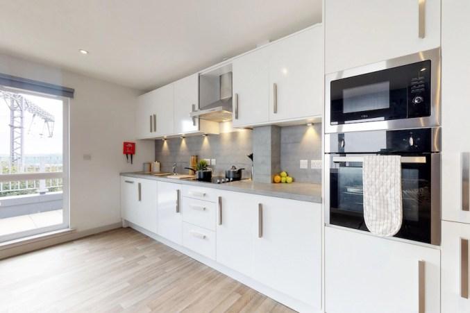 Shared-Kitchen-Stepney-Court-09042018_204556.jpg