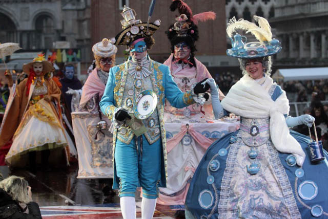 italy-february-2014-busy-month-carnival-parades-winter-olympics