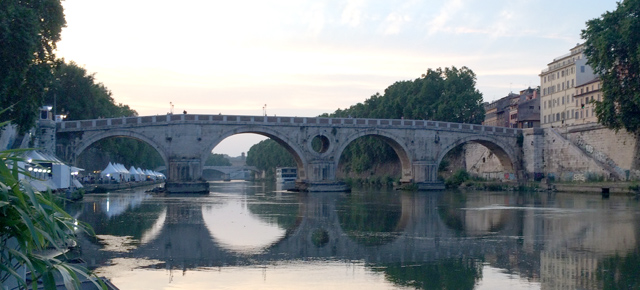 "lungotevere-destination-romans-long-hot-summer-nights"""