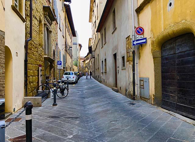 passeggiata-a-scuola-arezzo-cultura-italiana