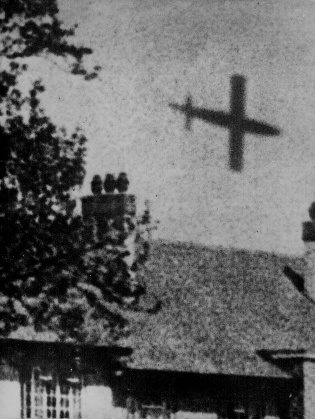 V 1 Rocket In Flight Over London Wwii