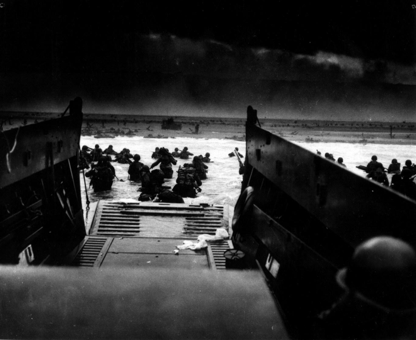 U S Sol Rs Landing In France On D Day