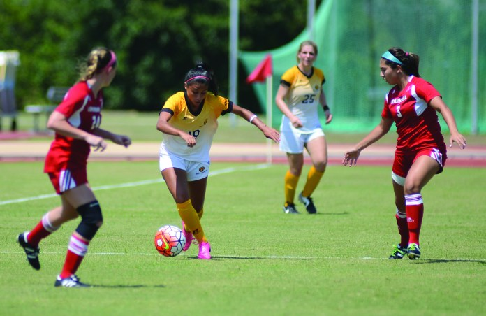 Southern Miss midfielder Stephanie Garcia takes a ball upfield during the game played against University of Louisiana at Lafayette in Hattiesburg on Sunday afternoon. Mary Alice Weeks/Student Printz