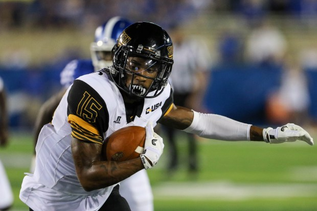 Southern Miss wide receiver Allenzae Staggers catches a pass against the Kentucky Wildcats in Lexington, Kentucky on September 3, 2016. (Student Printz/ Hunt Mercier)