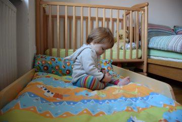 Velika sestrica dobi svojo posteljo