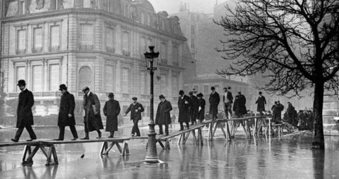 Paris sera toujours Paris… Même les pieds dans l'eau !