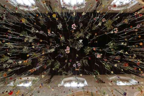 Installation de Rebecca Louise Law