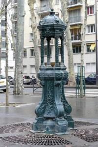 Fontaine Wallace de la rue Rémusat, 16ème arrondissement, Paris.