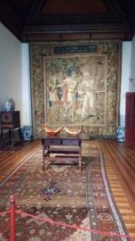 Pièce dédiée à Jules César, comme en témoigne la tapisserie qui orne le mur.