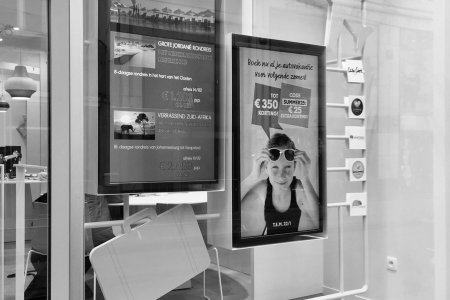shop window concept & communication tools neckermann • for Art Nivo