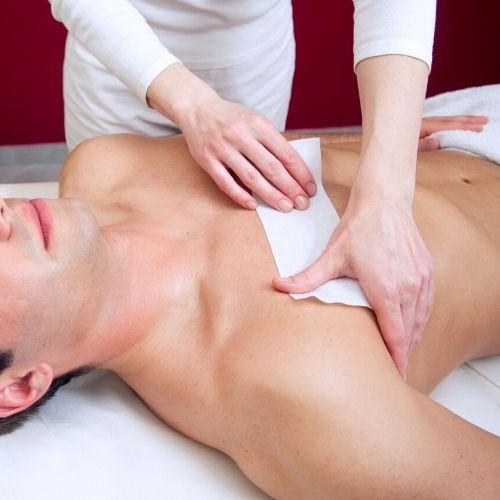 depilacija moških prsi