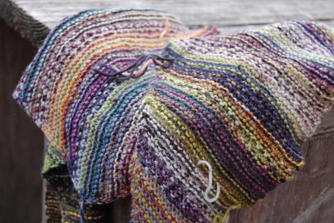 baktus sjaal gebreid door studio paars
