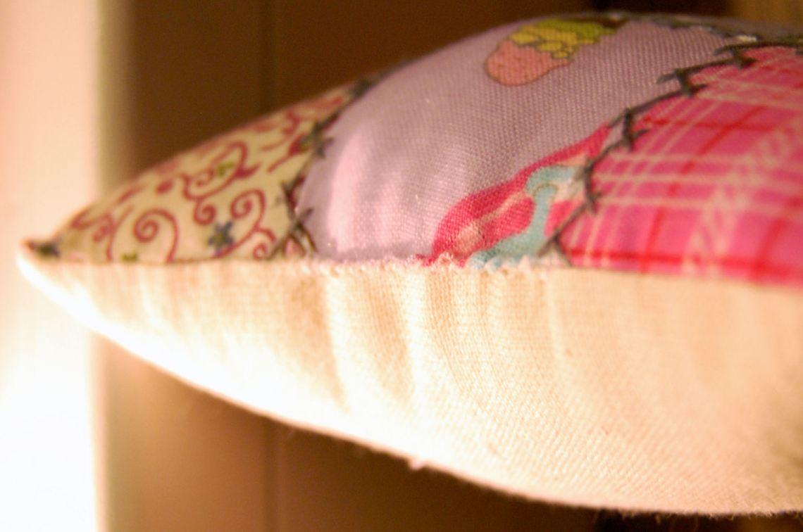kleine steekjes op het speldenkussen   door studio paars