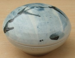 William Marshall porcelain lidded dish made at the Leach Pottery