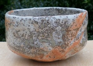 Tony Ferguson (Duluth USA) shino teabowl with incised personal mark. The height is 6.1 cm (2.4 inches) and the maximum diameter is 10.7 cm (4.2 inches). Price £85