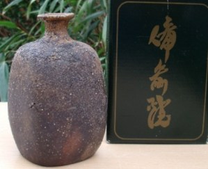 Tsuyashi Kugo (b. 1968). Bizen tokkuri in card box. It has his incised mark on the base and was originally bought from a Tokyo department store exhibition in 2003. Height: 12.2 cm (4.8 inches). Price: £65