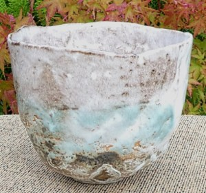 M2 - Rachel Wood teabowl with incised W mark. The height is 10.9 cm (4.3 inches) and the maximum diameter is 13.0 cm (5.1 inches). £95