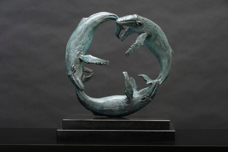 The Studio Art Gallery - Richard Gunston Sculptures - Southern Right Whales - Circle