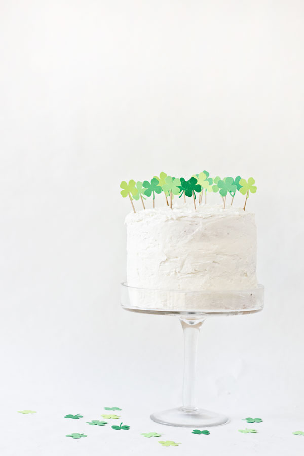 DIY Clover Patch Cake Topper