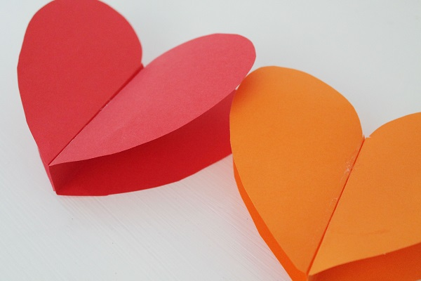 DIY Heart Paper Garland