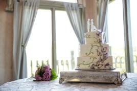 Cake & toss bouquet