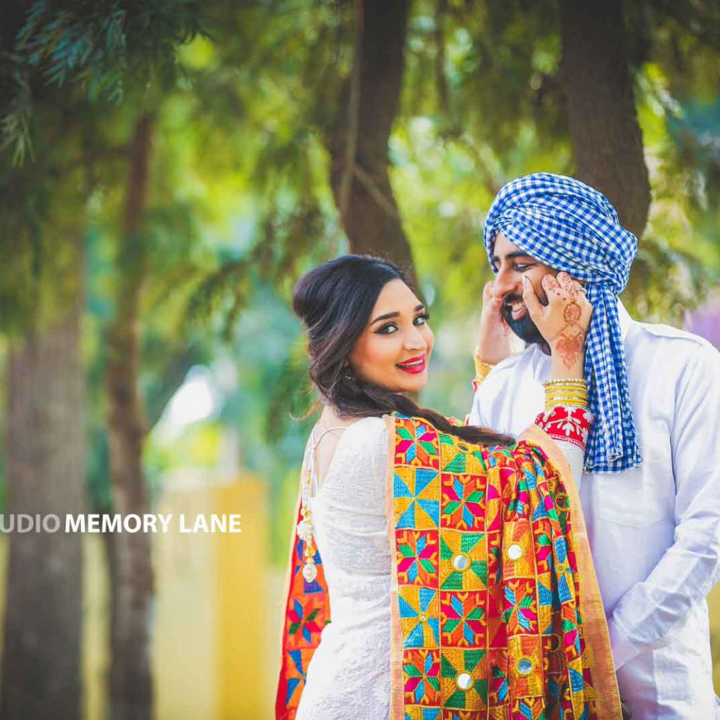 candid wedding photography in