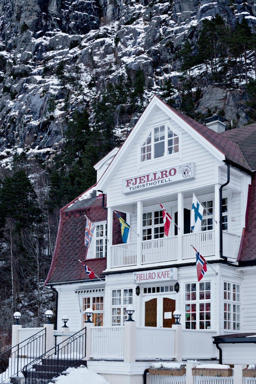 Norway-Fjellro-hotel-Valldal-Studio-Metsa-Photography