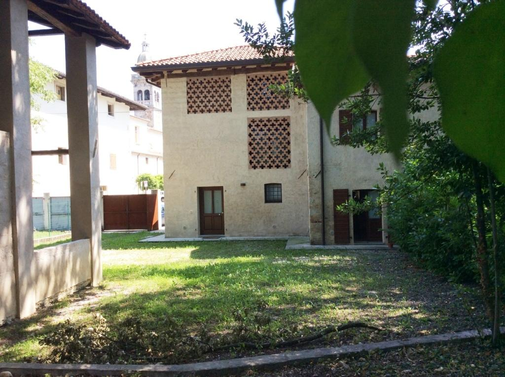 180ILR Pavia di Udine affittiamo casa con giardino ristrutturata  Studio immobiliare Morossi