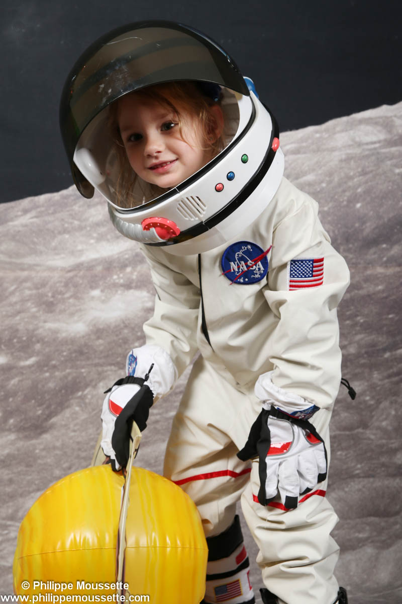 Petite fille astronaute