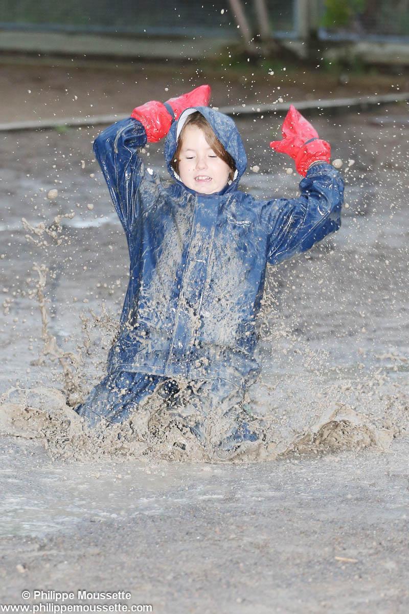 Séance sous la pluie dans la bouette