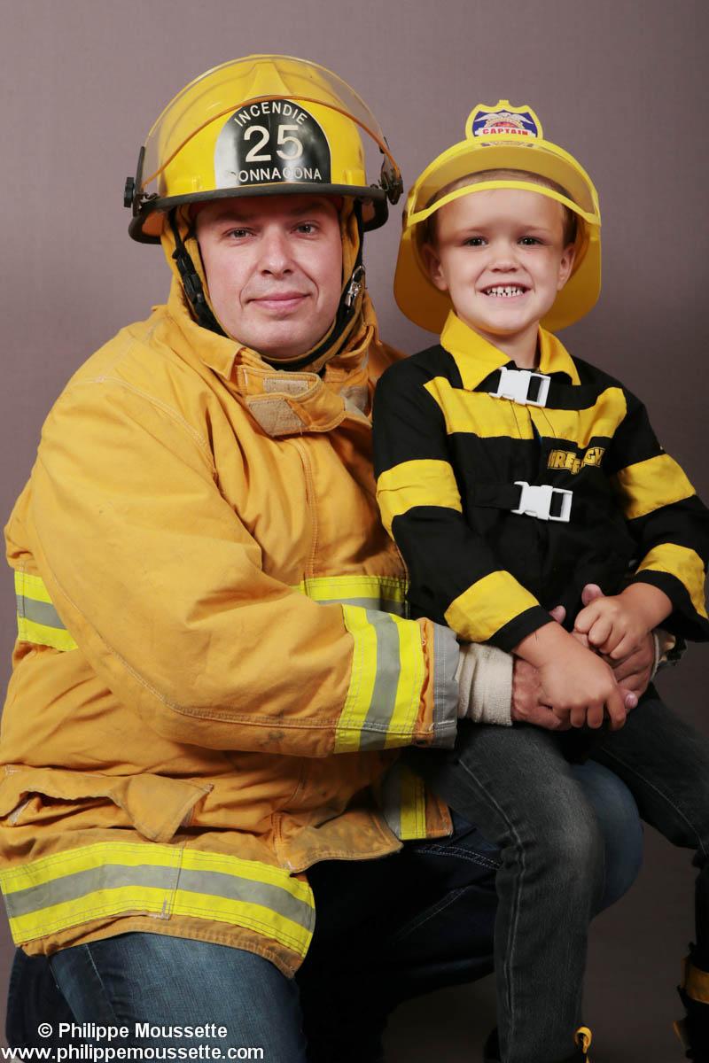 Papa et fiston en pompier