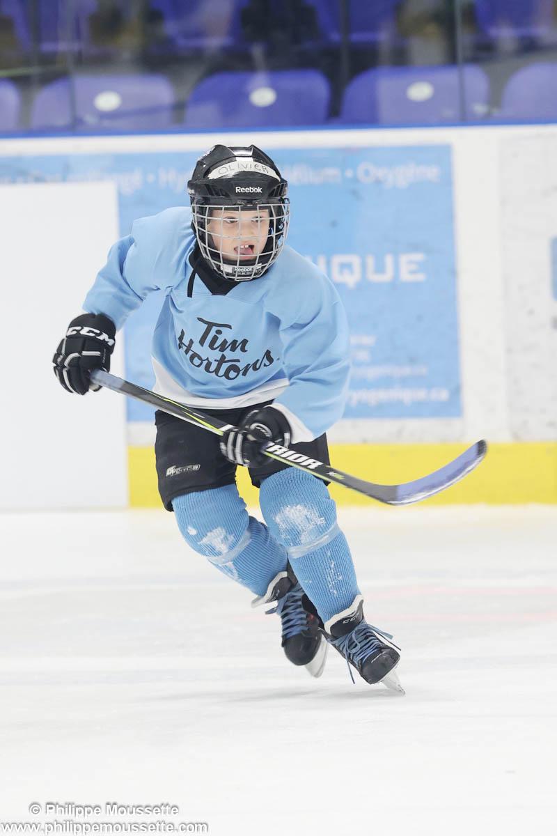 Hockeyeur qui patine