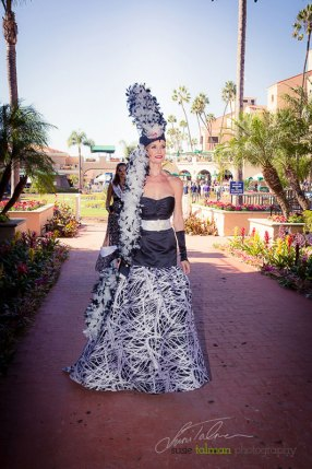 Kelly Lenahan on a beauty walk from the paddock. She is styled by Deena & Studio Savvy at 2015 Bing Crosby Opening Day at Del Mar