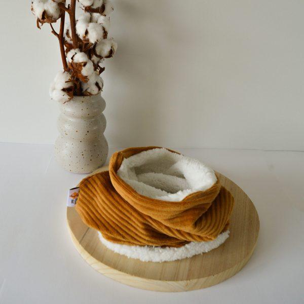 gele ribfluweel sjaal