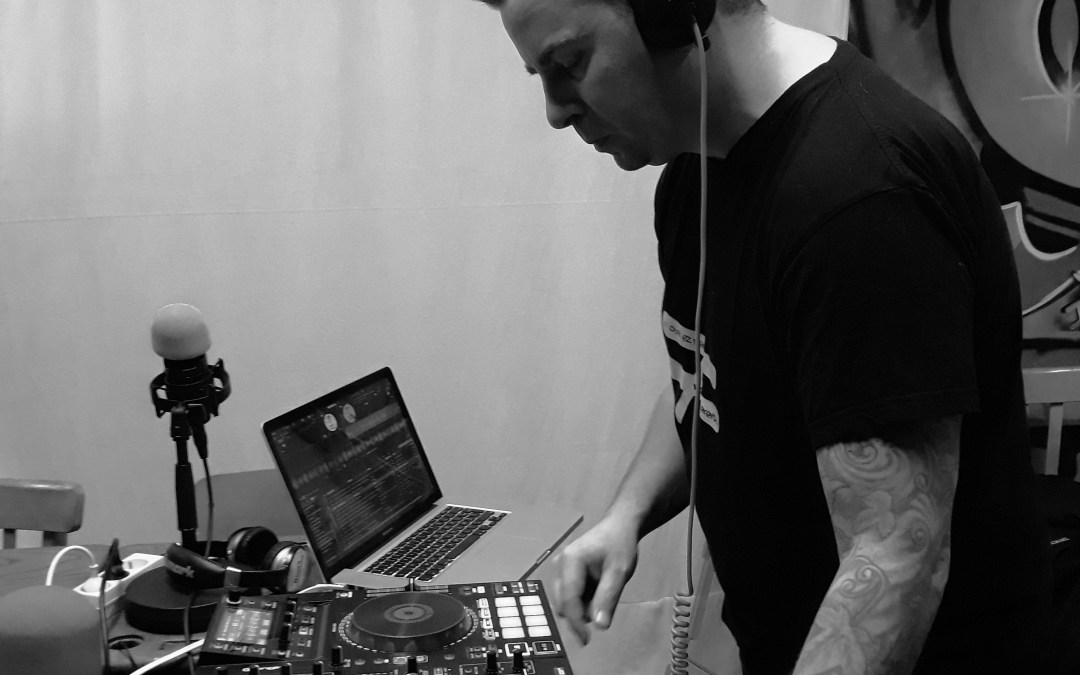 Mix Station – Handymix + Crown Shyness –