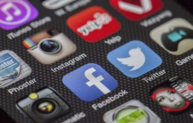 Social media apps, Facebook, Twitter