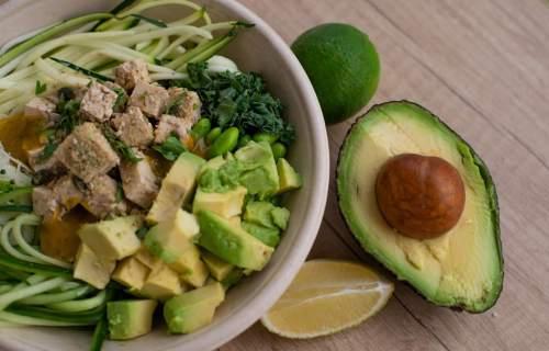 Tofu salad with avocado