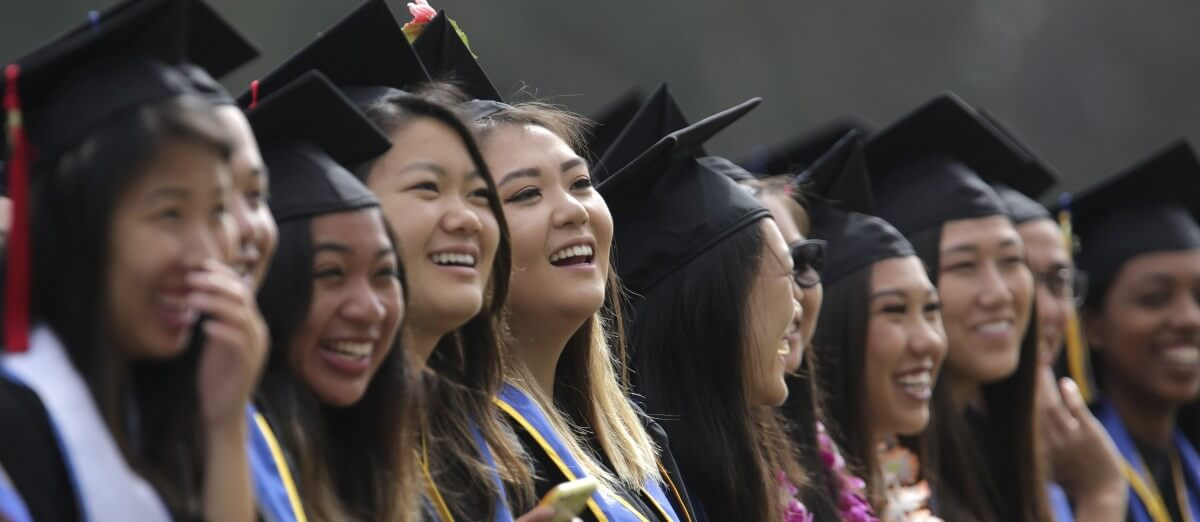 Check spelling or type a new query. US: This student loan company offers scholarships to ...