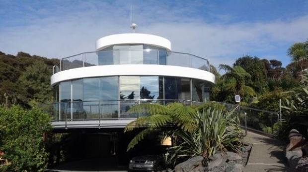 Don Dunick designed and built his rotating home in Maraetai , Auckland about 20 years ago. He's now looking for someone ...