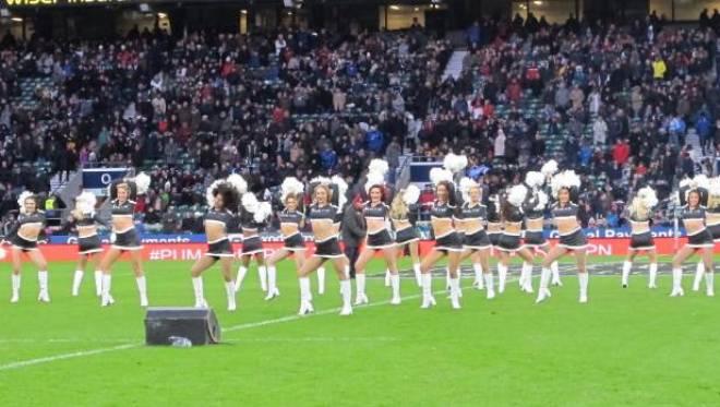 Pemandu sorak di pesta juara Leicester City