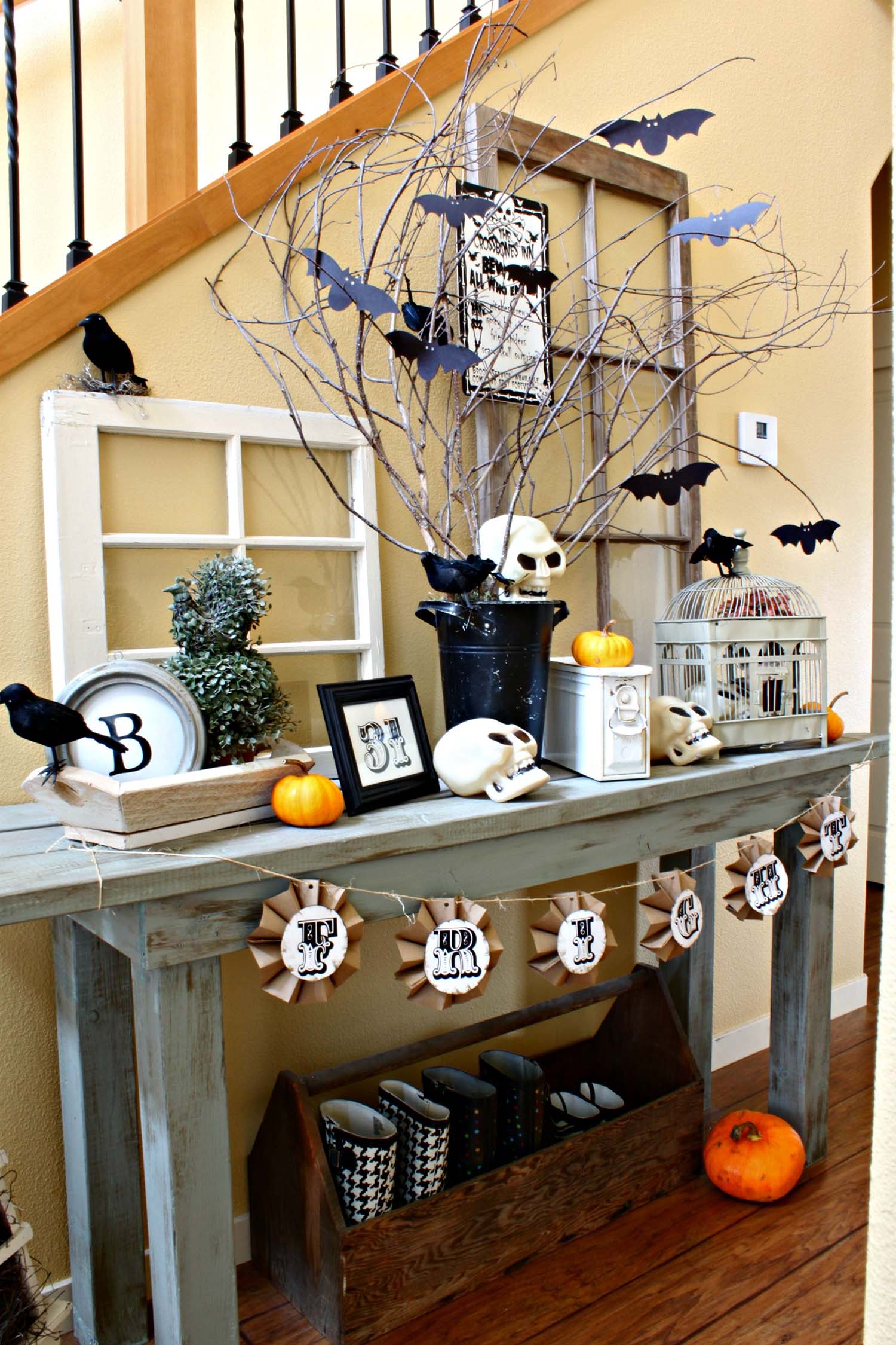 While we receive compensation when you click links to partners, they do not i. 20 Spooky Halloween Table Decoration Ideas for Your Home