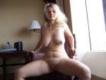 une belle femme aux grosses mamelles du 28