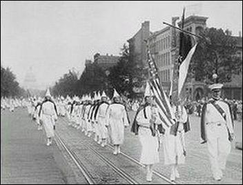 (KKK parade)