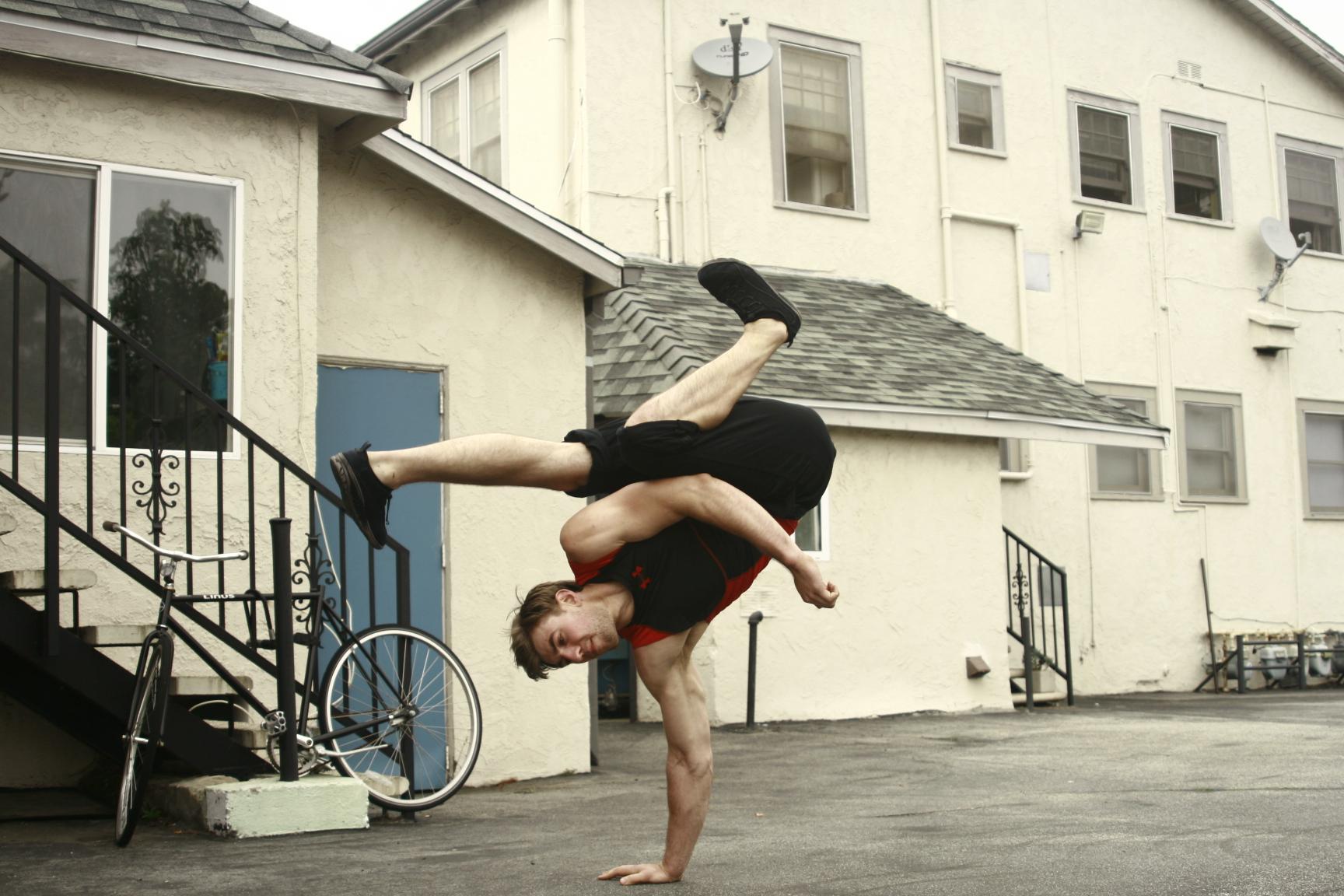Stunt Players  DMITRIOUS BISTREVSKY