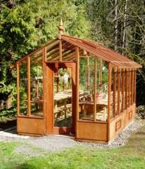Free-standing garden deluxe greenhouse