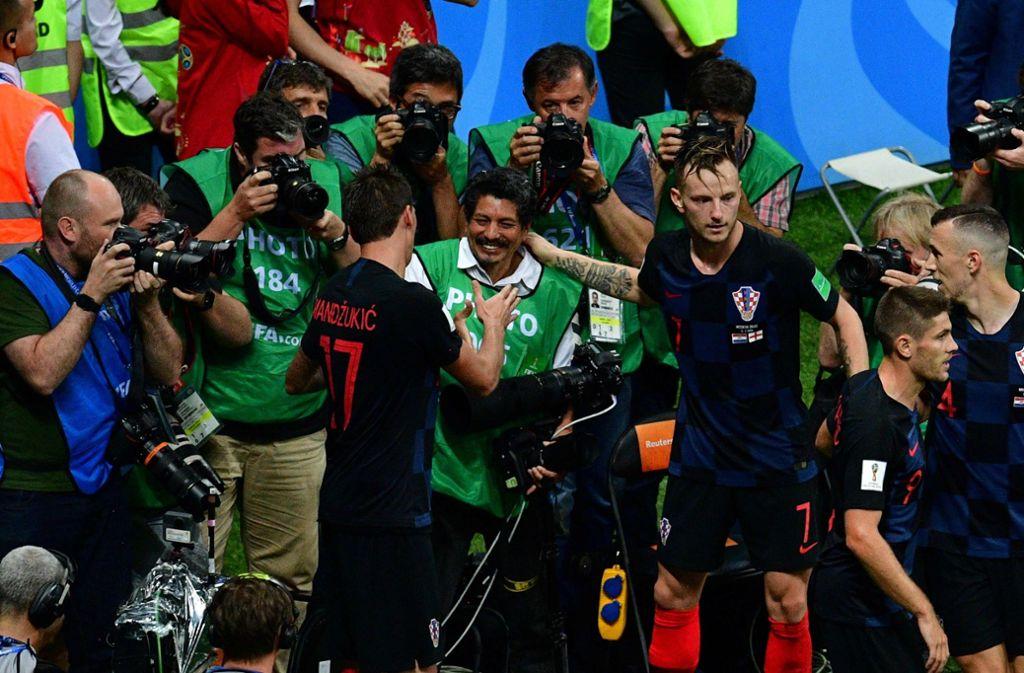 Bei WM 2018 Im Jubel begrabener Fotograf bekommt Kroatien