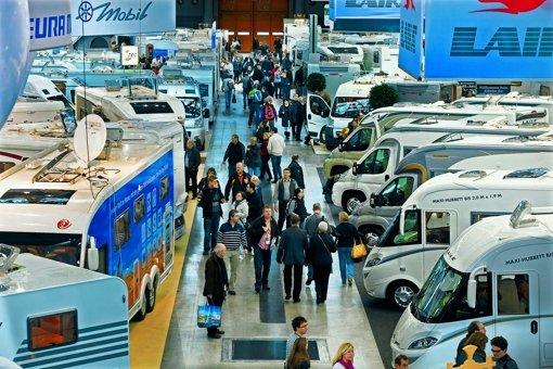 Neben Luxusausführungen mit Massagesitzen und Pkw-Mitnahmemöglichkeit finden auch Caravans der Kompaktklasse bei den Besuchern ein reges Interesse. Foto: Horst Rudel