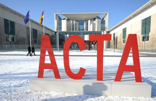 Die Politik reagiert auf die Acta-Proteste hilfos, ratlos, machtlos. Foto: dpa